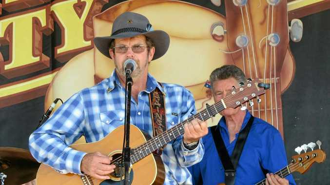 Wauchope's Ken Lindsay is the special guest artist at this Sunday's Monthly Hit of Country at the Grafton District Services Club.