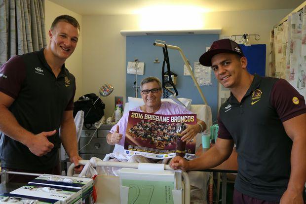 Owen Harms with Aaron Whitchurch and Kodi Nikorima at the Bundaberg Hospital. Photo Contributed