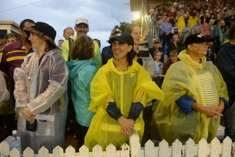 BIG CROWD: Supporters at the trial NRL match between the Queensland Cowboys v the Brisbane Broncos at Salter Oval, Bundaberg on Saturday, 6 Febuary, 2016. Photo: Mike Knott / NewsMail