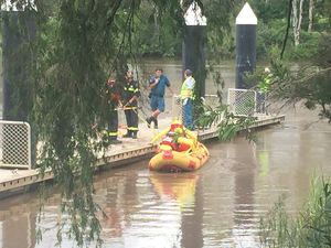 Rescue crews don't give up search of Mary River