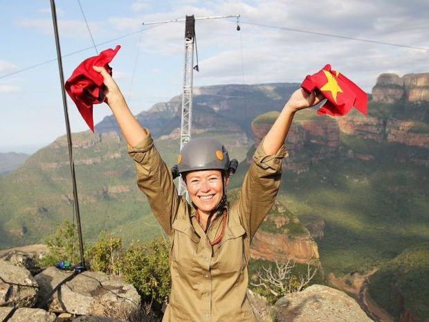 Jo Beth Taylor conquers her fear of heights in the World's End tucker trial on I'm A Celebrity... Get Me Out of Here!