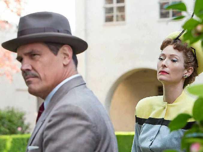 Josh Brolin and Tilda Swinton in a scene from the movie Hail, Caesar!