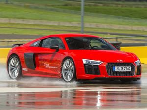 Track test and review: the new Audi R8 V10 Coupe Plus