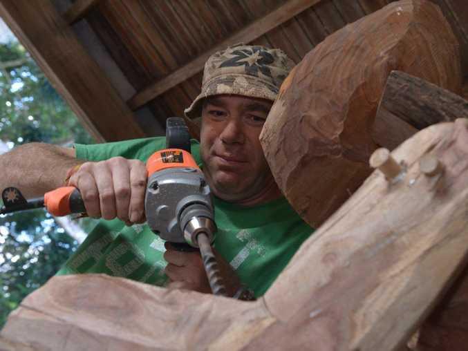 Wood Sculptor Wayne Markwort preparing for the Maleny Wood Expo.