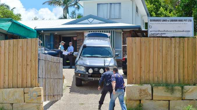 Police and Australian Border Force officers raided a house in LaTrobe Street, Tannum Sands. Photo Mike Richards / The Observer