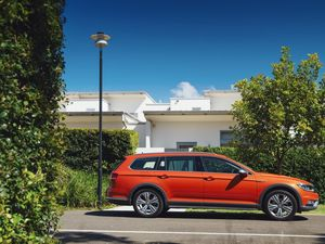 Volkswagen Passat Alltrack road test and review