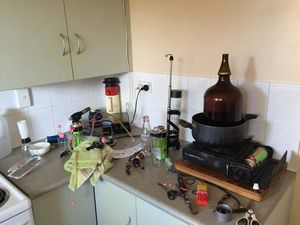 VIDEO: Specialist police to investigate Toolooa St drug lab