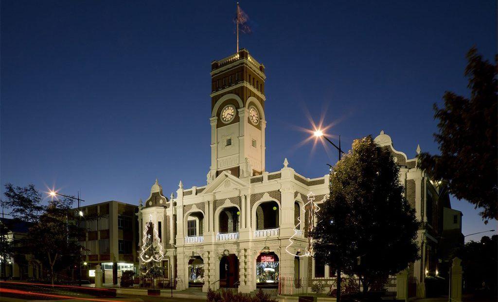 Toowoomba City Hall, Christmas 2012 Victoria Cooper and Doug Spowart
