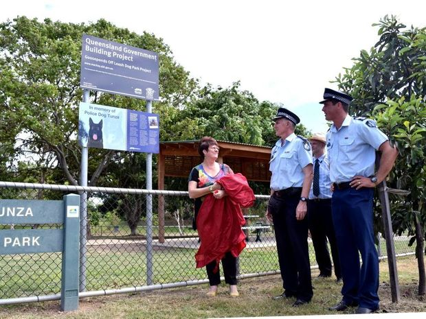 Mayor Deirdre Comerford Shares A Moment With Mackay District Detective Inspector Ian Haughton And Sergeant Marcus
