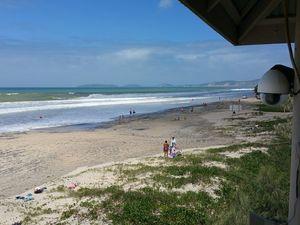 Rainbow Beach open for business despite big swell