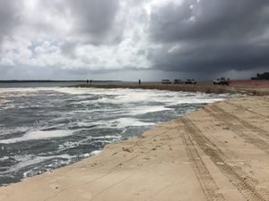 New near-shore landslide opens up on Inskip Point