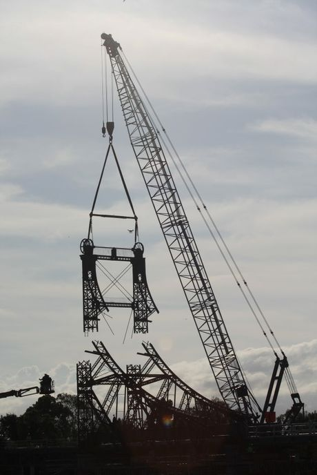 Ken Larkin snapped this photo of the top being removed from the McFarlane Bridge.