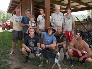 Farmers team up for great shave