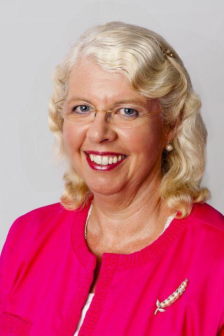 Cr Anne Maddern