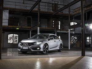 Honda signals sporting revival with 2016 Civic sedan