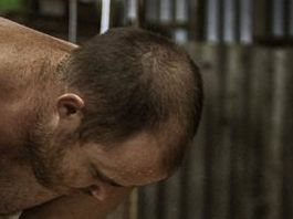 Naked shearer's pic used to shoot down Peta campaign