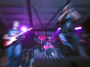 GIG GUIDE: Live music, poker this week