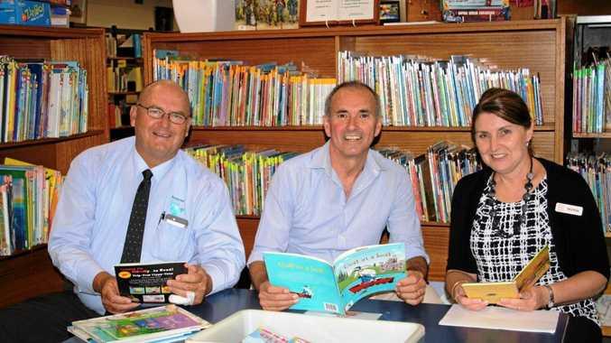 RVC Mayor, Cr Ernie Bennett, Clarence MP Chris Gulaptis & Deputy Regional Library Manager, Sylvia Cooling