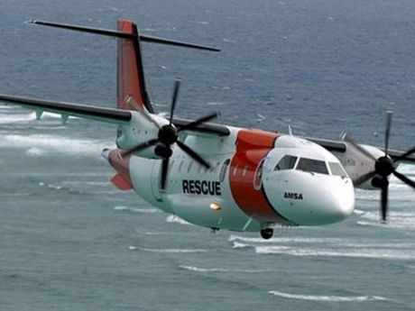 Authorities search for a Lismore plane that crashed off the north coast.