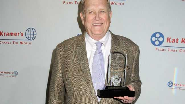 Ken Howard was an Emmy Award winning actor.