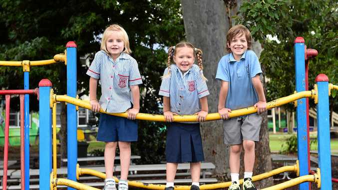 The kindy class K1B of Murwillumbah East Primary School posing for their class photo.