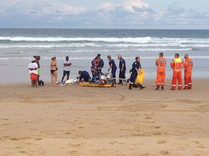 Doctors help save the day in near drowning at Moonee Beach