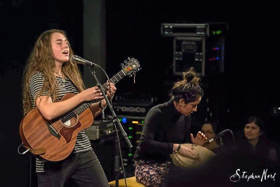 Tullara Connors performing at the Umefolk festival in Sweden.
