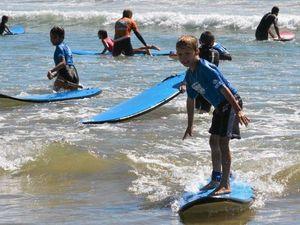 Gillwinga students make splash
