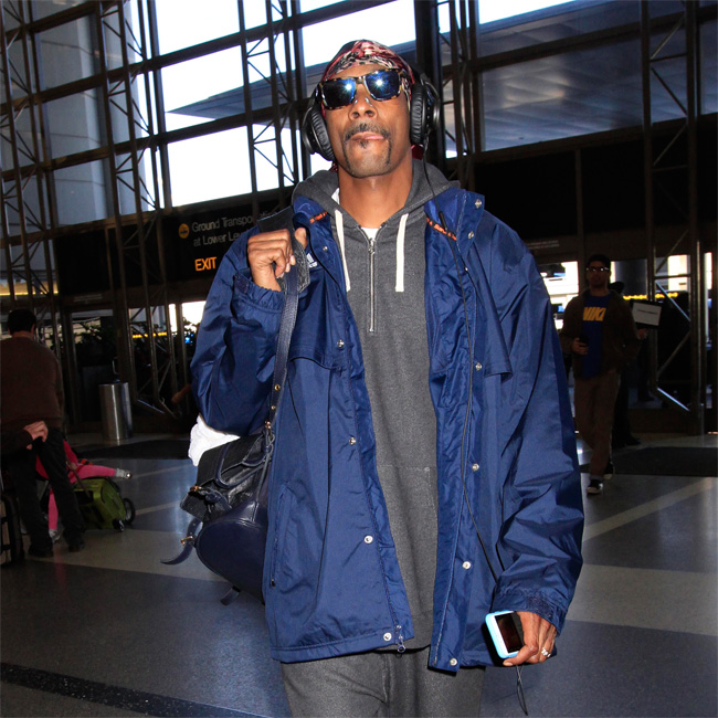 Snoop at the airport