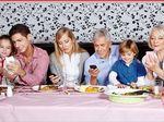 Restaurant asks customers to skip phones with meals