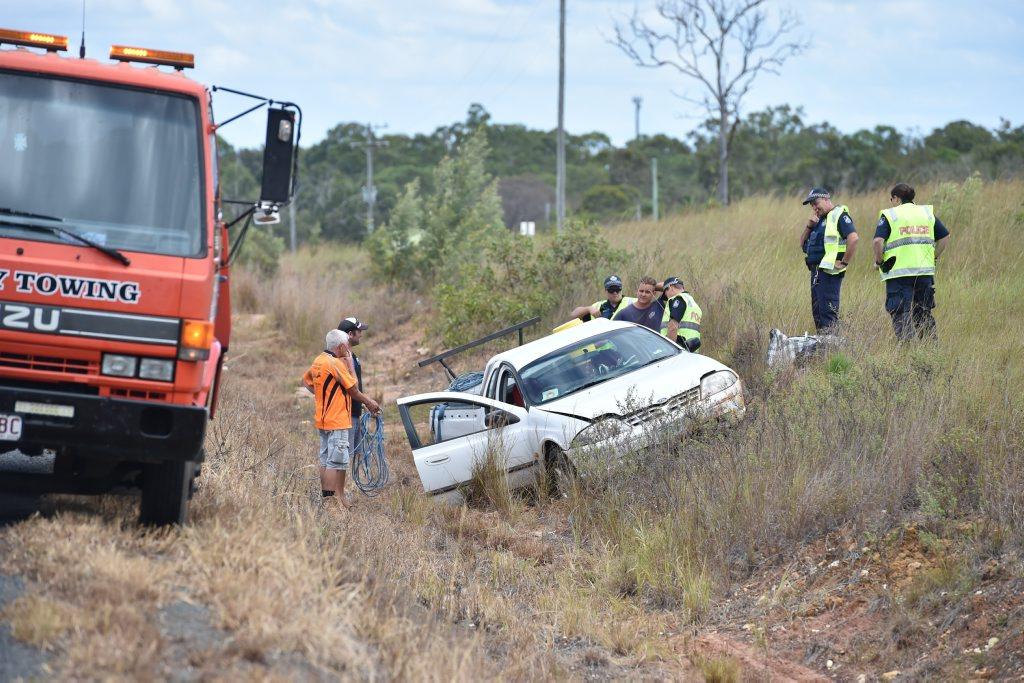 Single vehicle accident on Maryborough Hervey Bay Rd near Pigford Lane. Photo: Alistair Brightman / Fraser Coast Chronicle