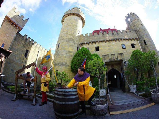 Sir Justyn at Sunshine Castle, Bli Bli.