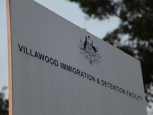 Kiwi dies in Australian detention centre