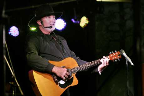 Neil Duddy will perform at the City Golf Club.
