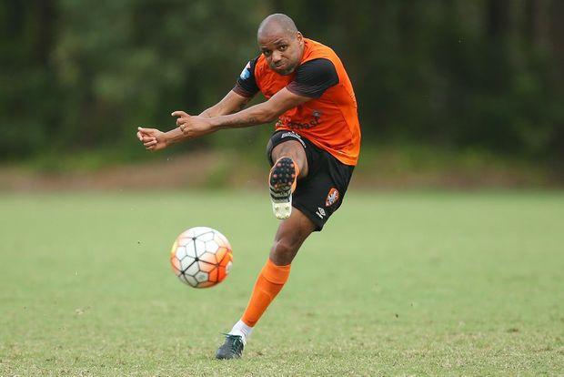 Looking sharp ... Henrique at Brisbane Roar training. Photo: AAP Image.