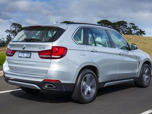 BMW's plug-in X5 - xDrive40e road test and review