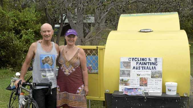 Steve Globe and Miranda Free cycle and paint Australia their way around Australia.