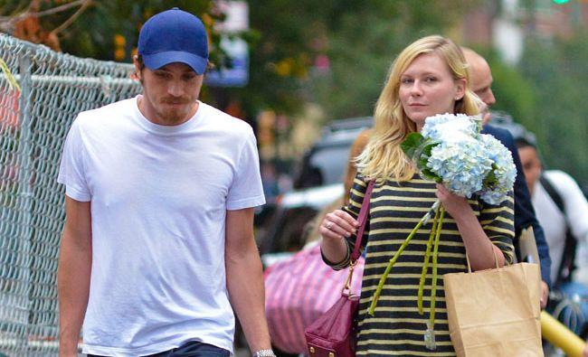Kirsten Dunst and Garrett Hedlund.