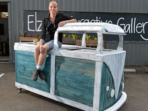 Brother-sister team build Kombi out of wood pallets
