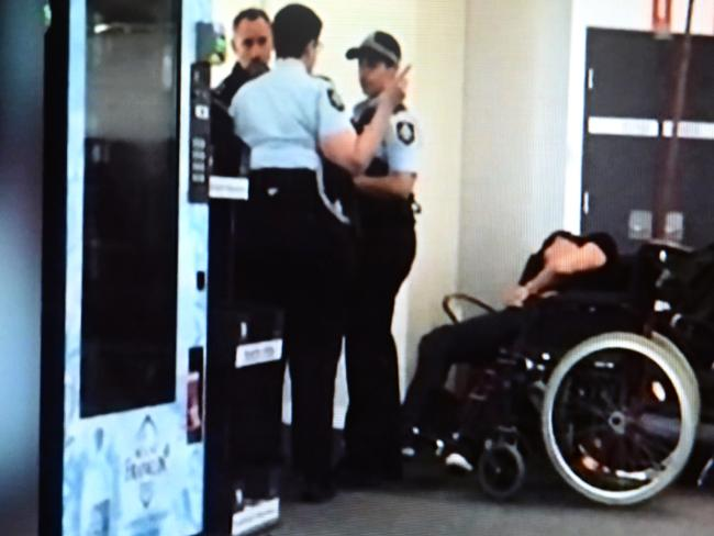 The person who took this photo says it shows Grant Hackett at Melbourne Airport. Photo: Channel 7
