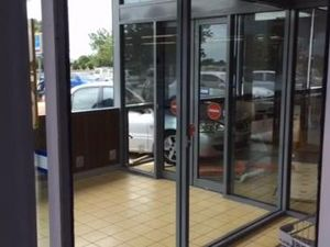 Car crashes into Aldi