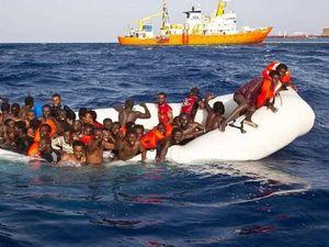 400 refugees feared dead in Mediterranean boat capsize