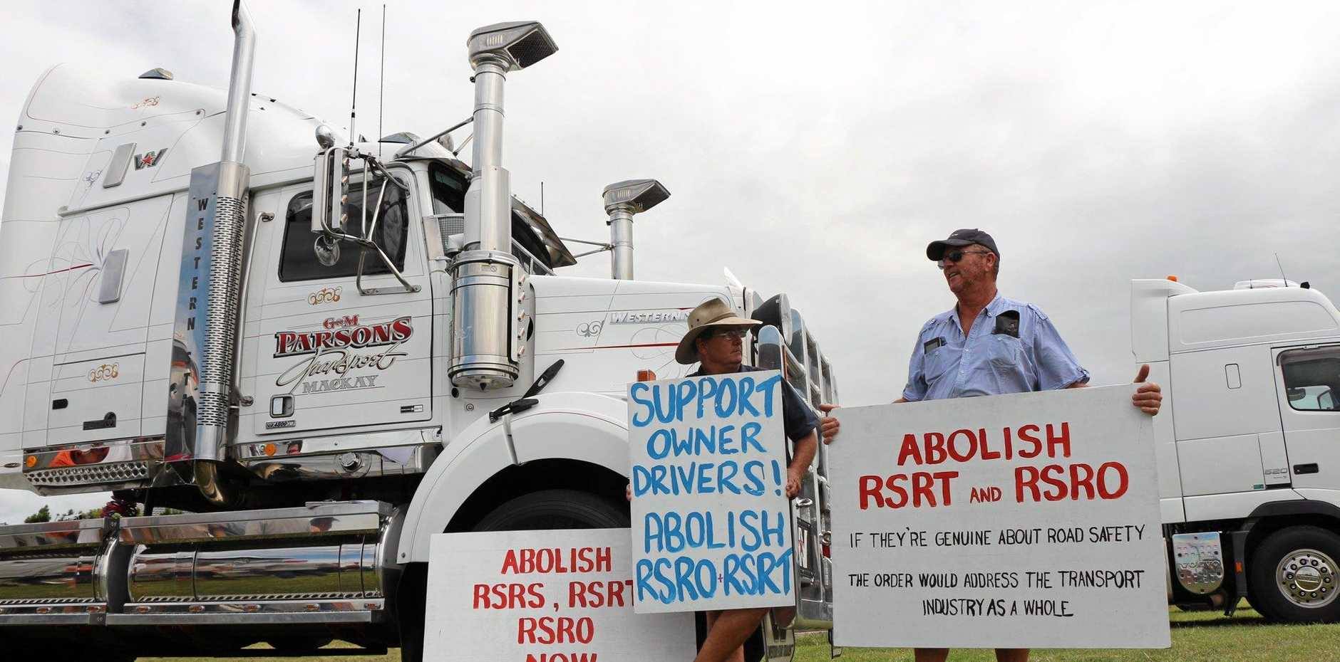Owner-driver Kevin Fife and Deasherco Owner-driver Dean Baldock at yesterday mornings rally in support of abolishing the RSRT and RSRO.  Photo Daniel Harkin / Daily Mercury