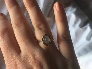 Lena Dunham gifted antique ring by Jack Antonoff