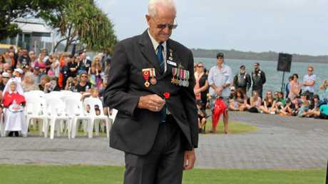 BELOW RIGHT: Wreath laying at the Ballina RSL Sub Branch Commemoration of Anzac Day.