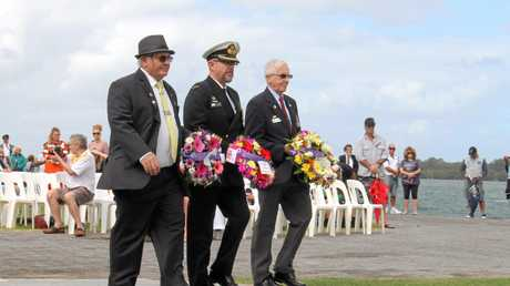 laying a wreath at the Ballina RSL Sub Branch Commemoration of Anzac Day