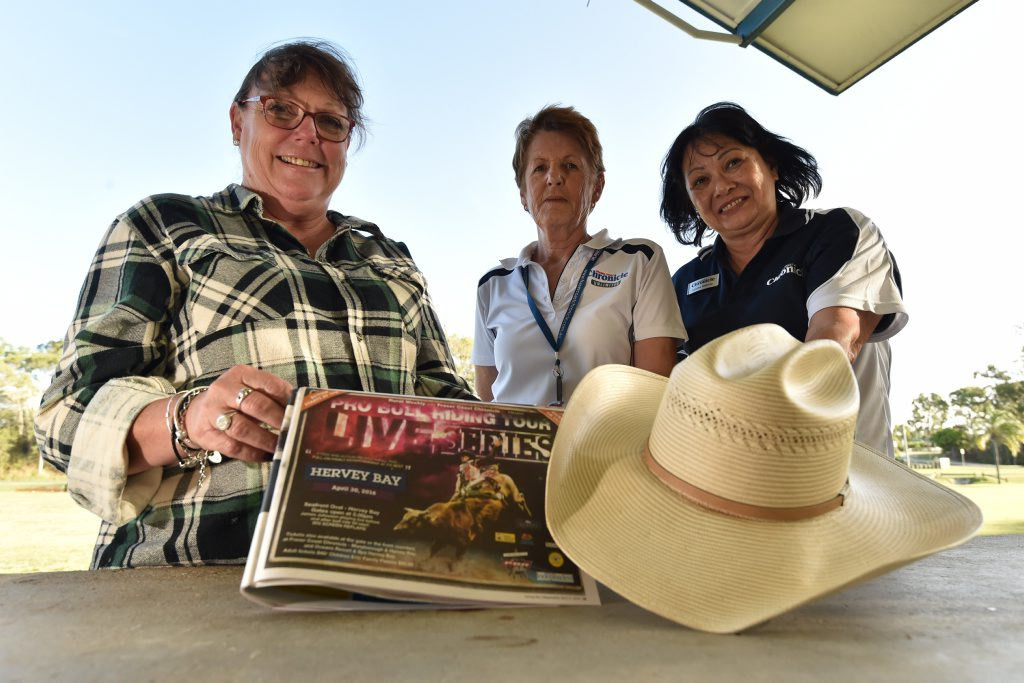 PBR - (L) Helen Rekdale, Vicki Seddon and Louise Holmes from the Fraser Coast Chronicle are gearing up for the big night at Seafront Oval. Photo: Alistair Brightman / Fraser Coast Chronicle