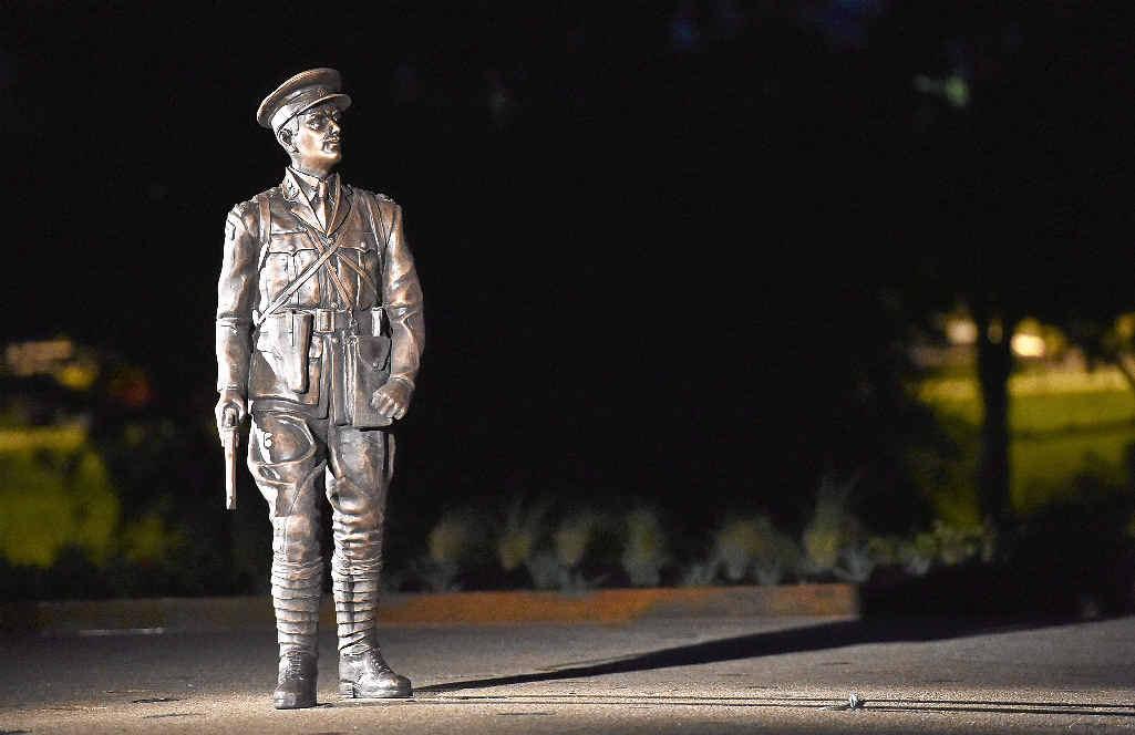 TRIBUTE: Unveiling of the Duncan Chapman memorial in Queens Park, Maryborough.