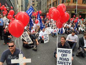 Pro-RSRT Transport workers blockade in Sydney CBD