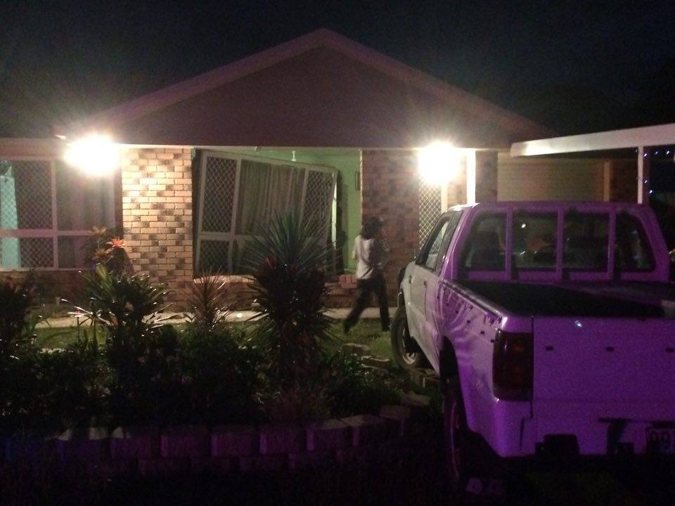 Car crashes into house in Richardson Rd.